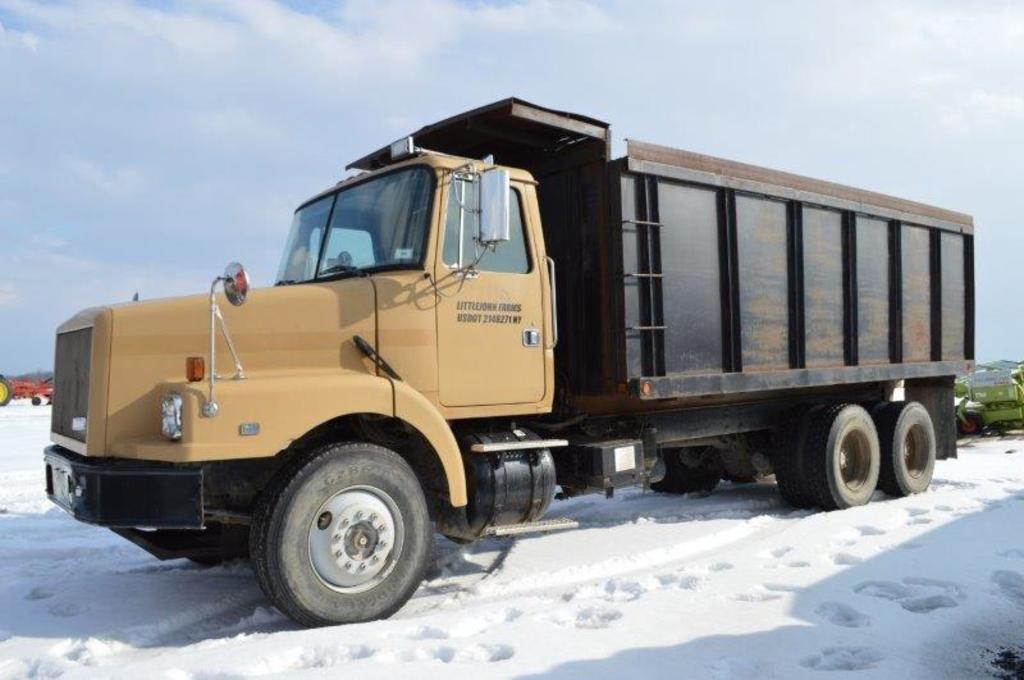 '95 Volvo/GMC dump truck, w/ 20' steel bed, CL10 motor, Allison trans, 11R2