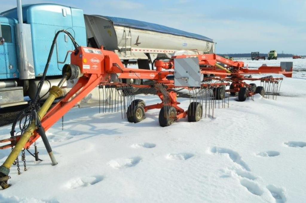 Kuhn GA6522 Gyro twin rake w/ side delivery