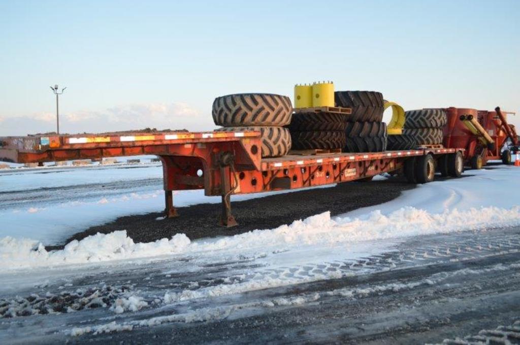 '06 Transcraft 48' steel step deck trailer w/ spread axle, air ride, 255/70