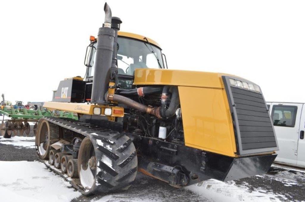 Cat 85D tractor, w/ 7,897 hrs, 10 speed power shift, 4 remotes, large 1000