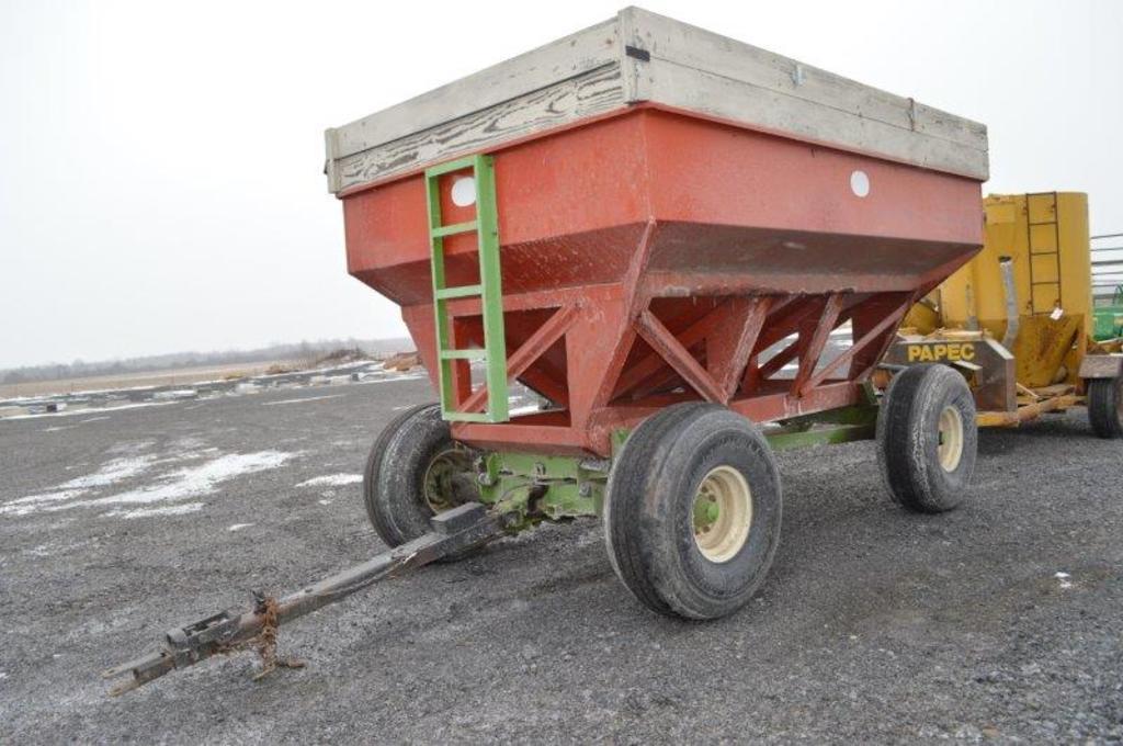 J & M 350 gravity wagon