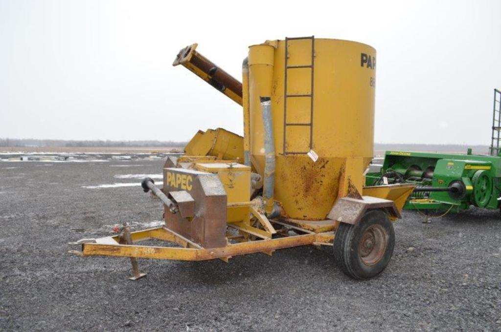 Papec 880 grinder, 540 PTO, 12 ft swing out auger