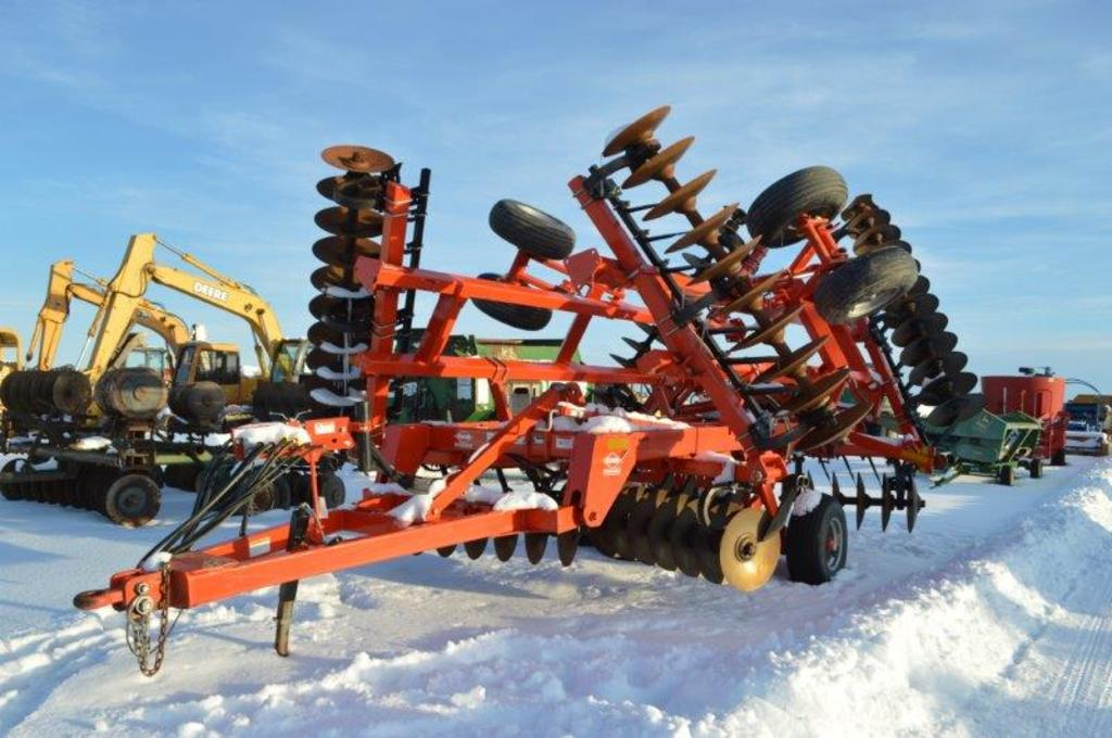 '14 Krause 8210 30' Rock flex disc w/ packer hitch and hyd, (nice)