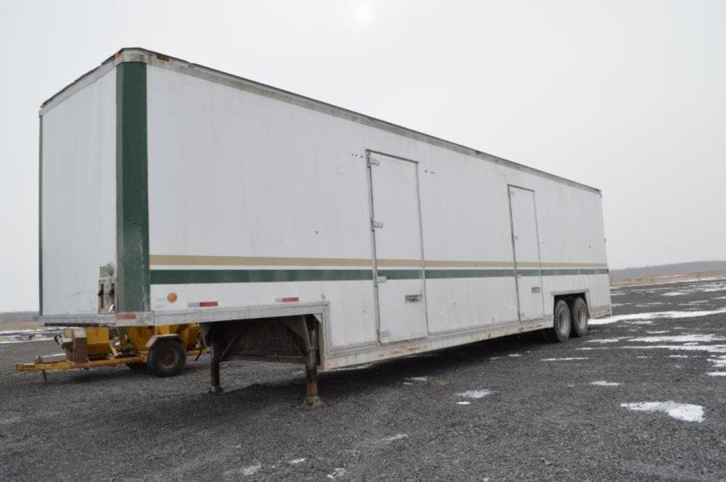 '85 Kentucky enclosed semi trailer, doors on each side w/ swing on the rear