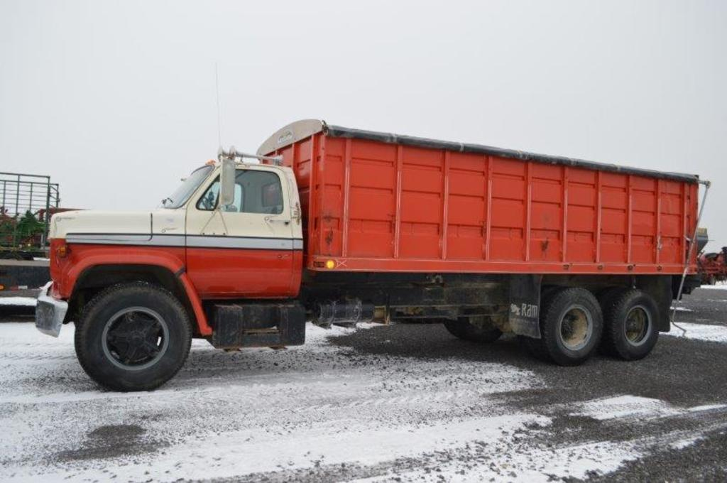 '75 GMC tandem axle grain truck, V8 gas engine, 18' dump box w/ Shure lock