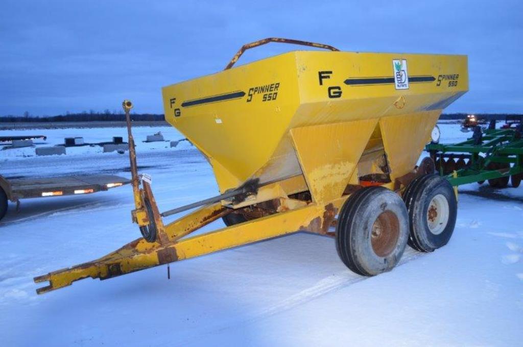 F-G spinner 550 4 ton fert spreader w/ double spinner, 540 PTO