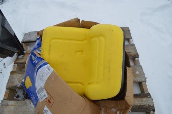 JD Universal seat (brand new in box)