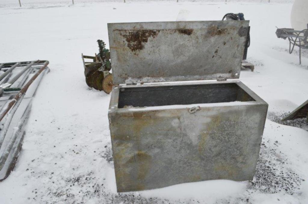 Metal box 3' long 16'' wide