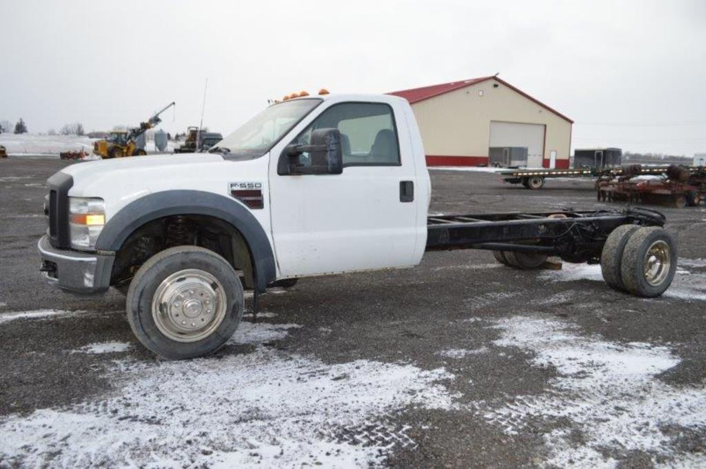 '08 Ford F550 Cab & Chassis truck, V8 Powerstroke deisel engine (needs moto