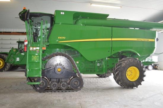 '12 JD S670 combine w/ 1246/921 hrs, 520/85R42 Duals, 4wd, (Selling separate is a set of '2014 ATI 3