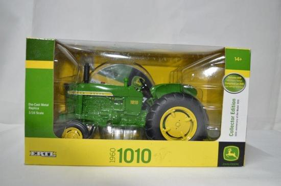 1960 JD 1010 tractor, Die-cast metal, 1/16th scale (Collectors edition), new in box
