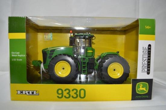 JD 9330, tractor, Die-cast metal, 1/32nd scale, (Prestige collection), new in box