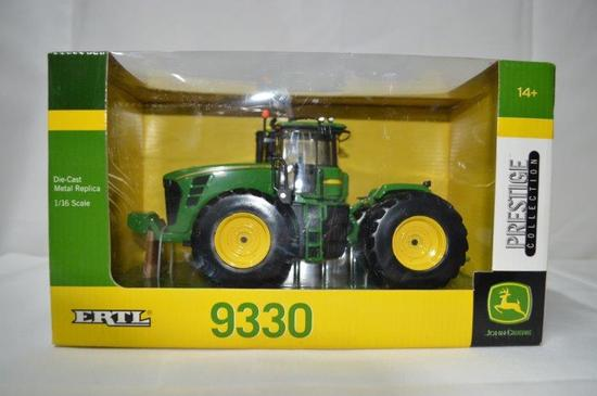 JD 9330 tractor, Die-cast metal, 1/32nd scale (Prestige collection), new in box