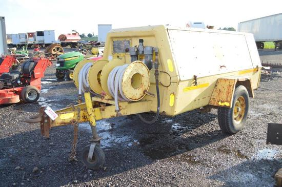 Ingersol Rand air compressor w/ 2609hrs, Deutz diesel engine, 250CFM, (runs good & builds air)