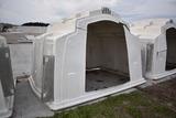 Agri Plastic Super hutch w/ gates