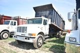 1996 INT 4700 dump truck w/ 7spd manual trans, 121910mi, 18' steel dump box