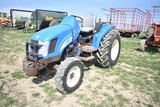 NH T2320 w/ 6179hrs, 4wd,3pt, 540pto, 14.9-24 rear rubber, 2 front weights, gear drive