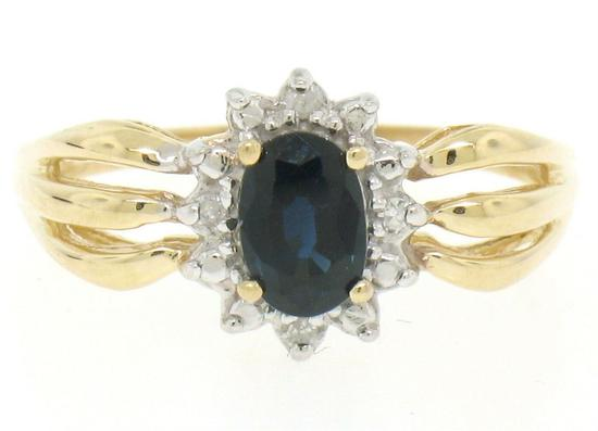 14k Yellow Gold 0.79 ctw Oval Royal Blue Sapphire Ring w/ 4 Round Diamond Accent
