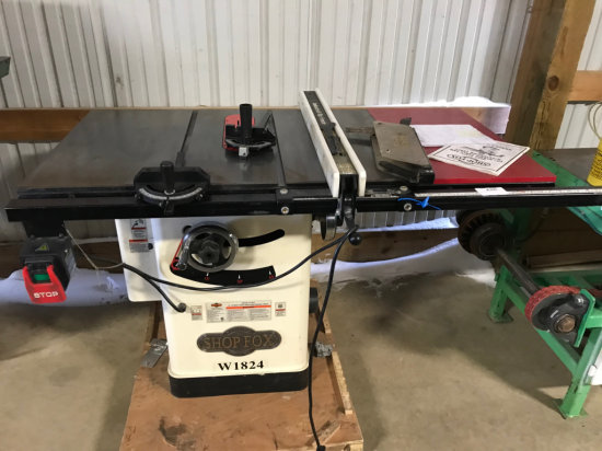 (8021) Shopfox 10 inch table saw 220 Volt single phase