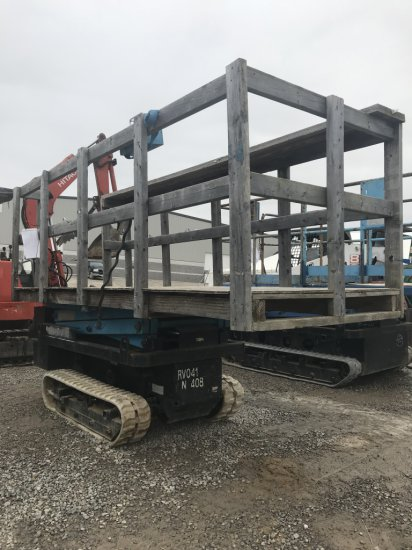 Nichi Scissor Lift with tracks, electric