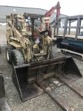 Hydra-Mac 11-C Skidloader with bucket and forks