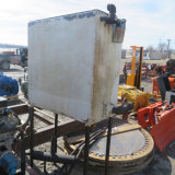 Hydraulic oil reservoir with stand