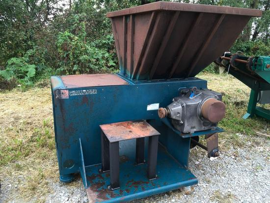Challenger 25 inch top feed grinder with extra screen