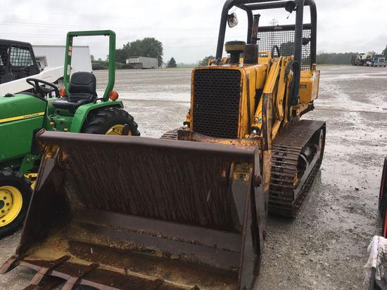 John Deere 555 crawler loader runs good