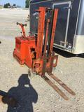 Yale worksaver type e forklift. No charger