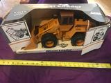 Case W-30 Wheel Loader by Ertl 1/16 scale with box
