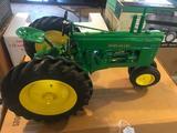 John Deere Tractor Model B 1/8 scale