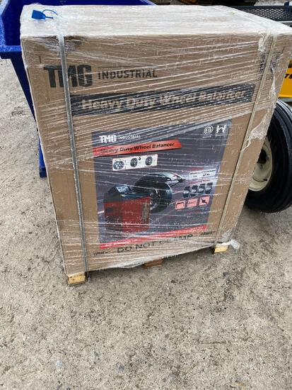 27001- TNG industrial Heavy Duty Wheel Balancer in box