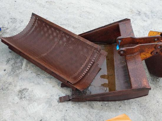 27003- 36 inch excavator bucket and screens