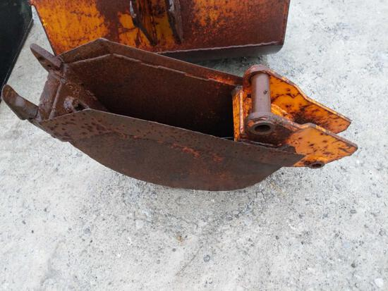 27004- 9 inch excavator bucket