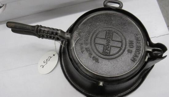 Griswold 886 Cast Iron Waffle Iron High Base with wooden handle, slant logo