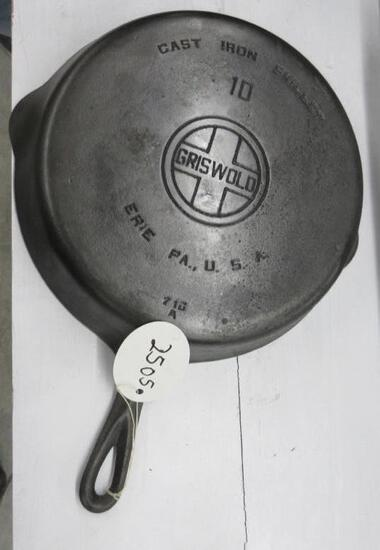Griswold #10 716A Cast Iron Skillet Large Block logo