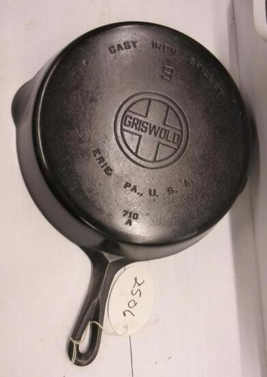Griswold #9 710A Cast Iron Skillet Large Block logo
