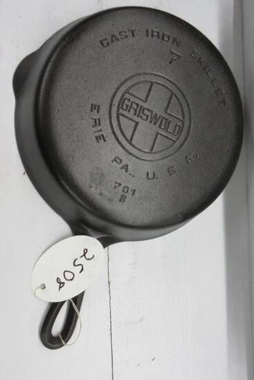 Griswold #7 701B Cast Iron Skillet Large Block logo