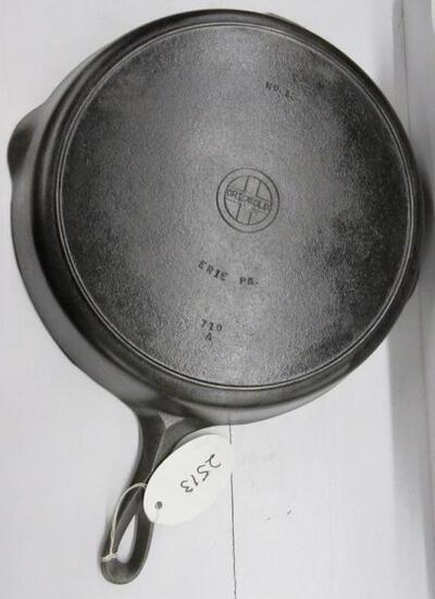 Griswold #12 719A Cast Iron Skillet Small Block logo