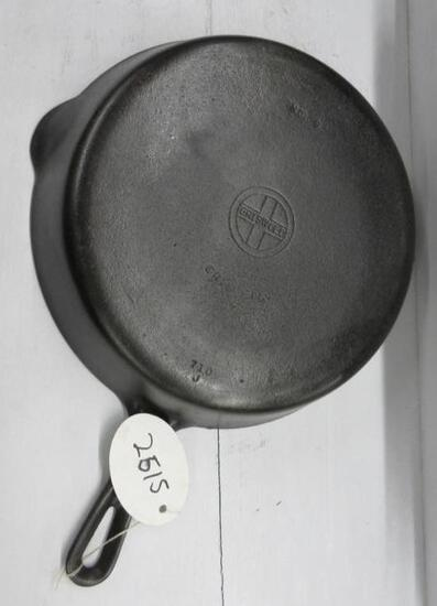 Griswold #9 710B Cast Iron Skillet Small Block logo