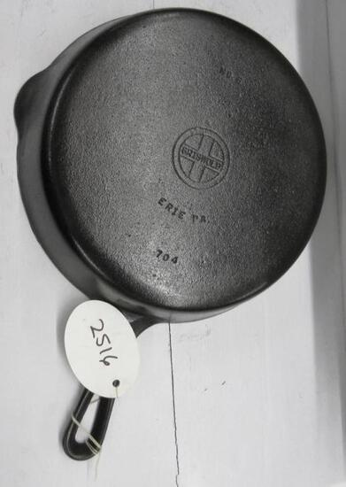 Griswold #8 704 Cast Iron Skillet Small Block logo