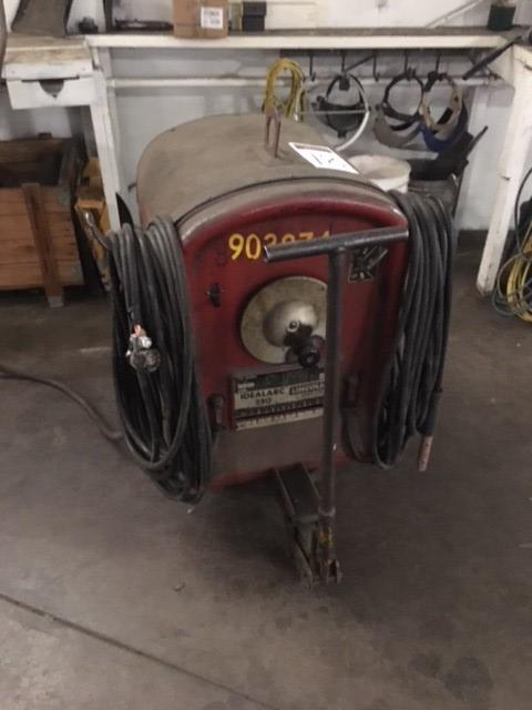 Lincoln Idealark 250 arc welder 220V, DC