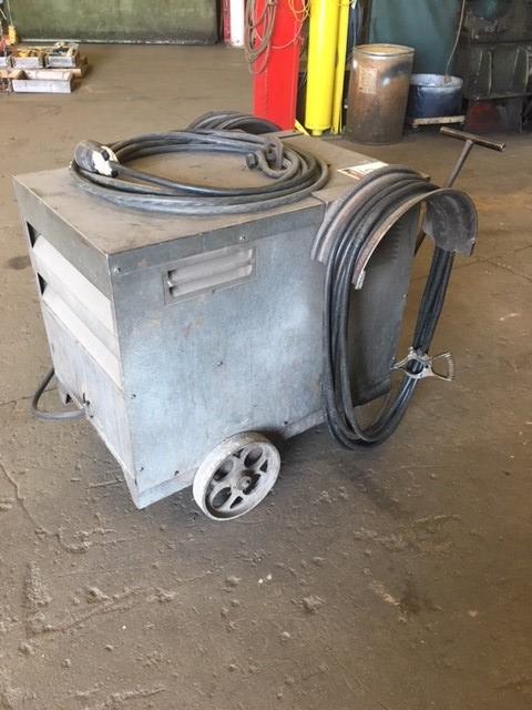 Lincoln arc welder,  Ideal Arc R3R-400  400 amp, DC welder on rollers, 3 ph