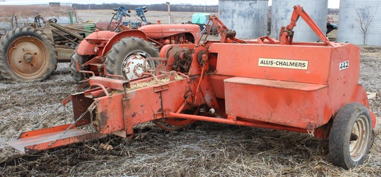 Allis Chalmers 442 Small Square Hay Baler (Twine)