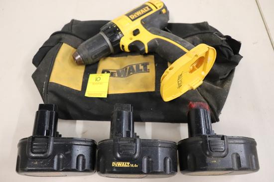 Dewalt Drill with 3 Batteries (14.4V) & Bag