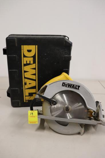 """Dewalt DW368 Circular Saw (7 1/4"""")"""