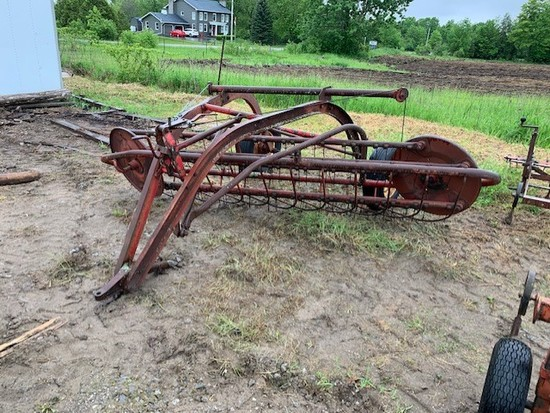 Side Delivery Hay Rake