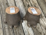 PAIR OF HIPPO FEET (2x$)