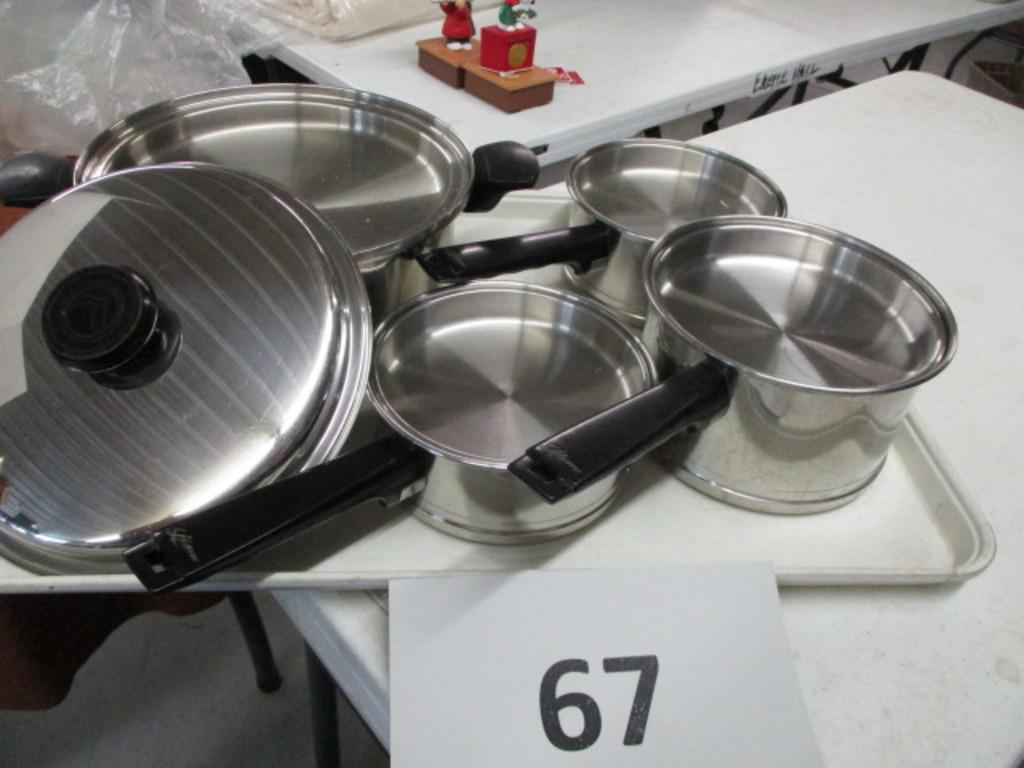 Set of Lifetime pots with lids
