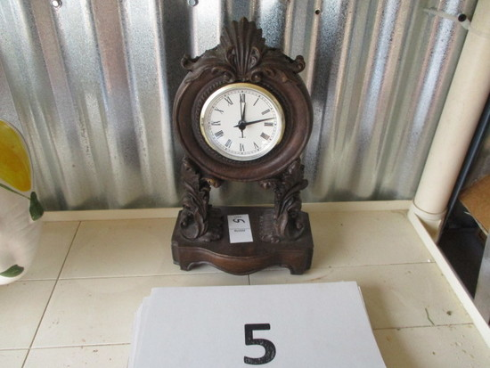 Home Interior Quartz Mantel Clock